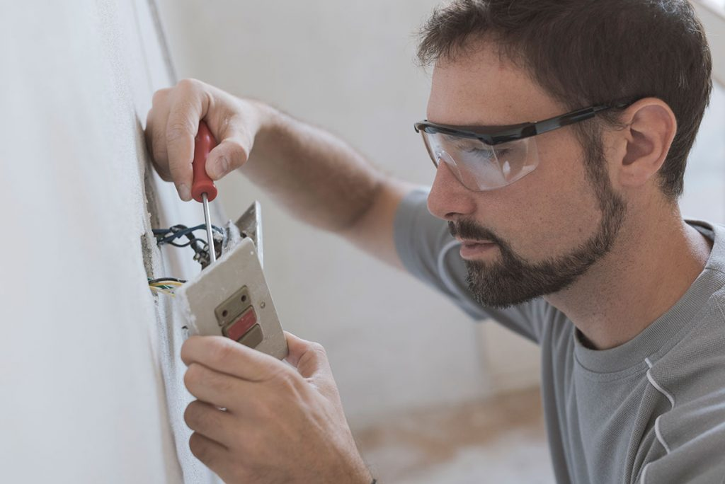 professional electrician working in Busselton home