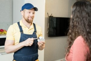 electrician explaining rcd switch